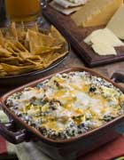 Quick and Cheesy Spinach Artichoke Dip